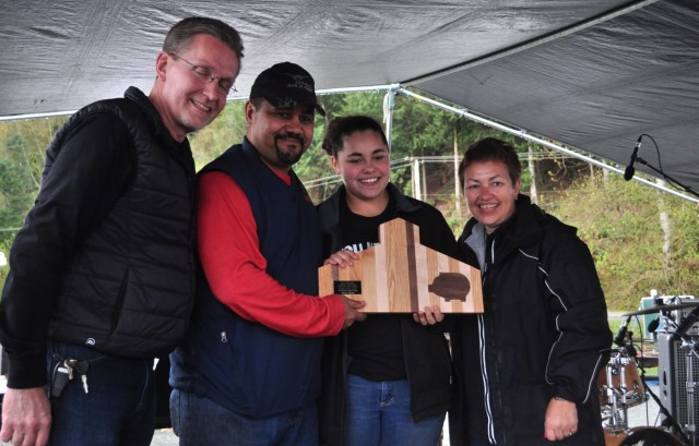 Smokey's Bar-B-Que (Cle Elum, Washington) wins the Barn Burner BBQ black box competition with his Duck a' Pomegranate.