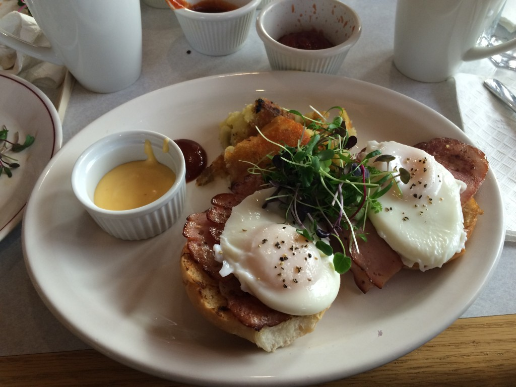 Dogwood Cafe eggs benedict